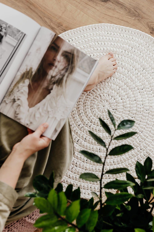 Hand woven white circle rug