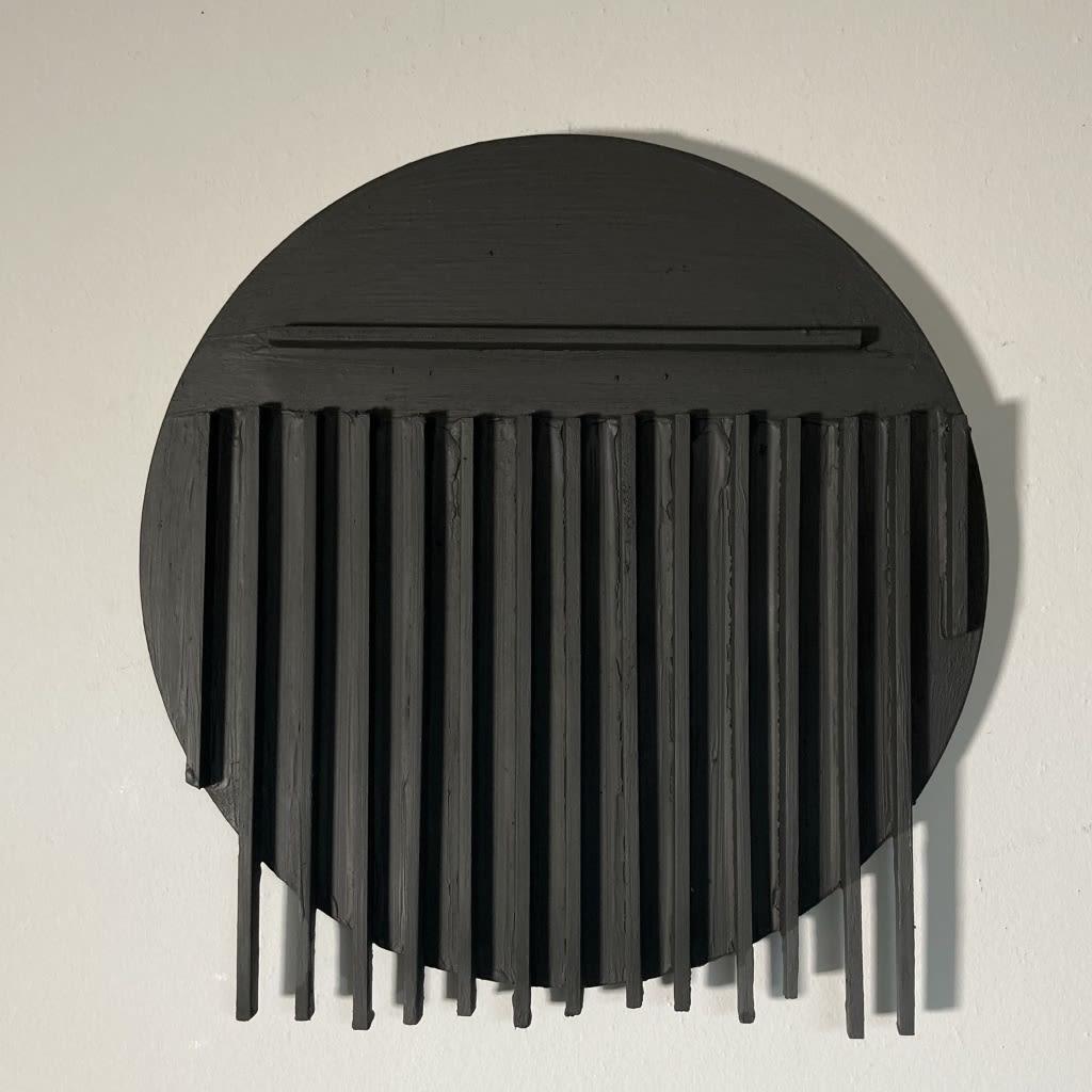 Black lines on a black circular canvas