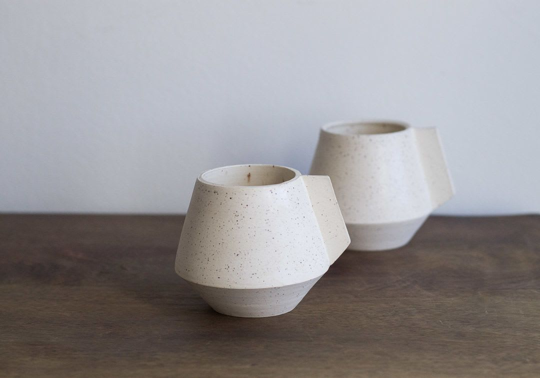 White speckled ceramic mug set