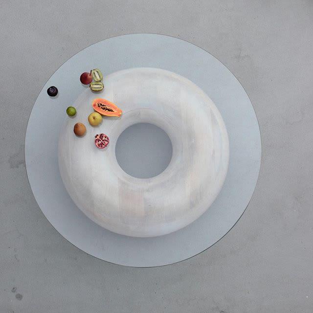 Donut shape glass table