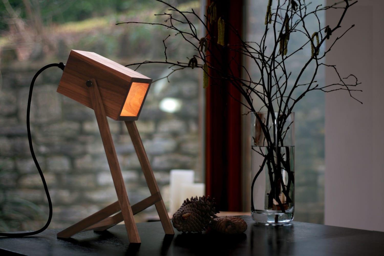Contemporary wooden desk light
