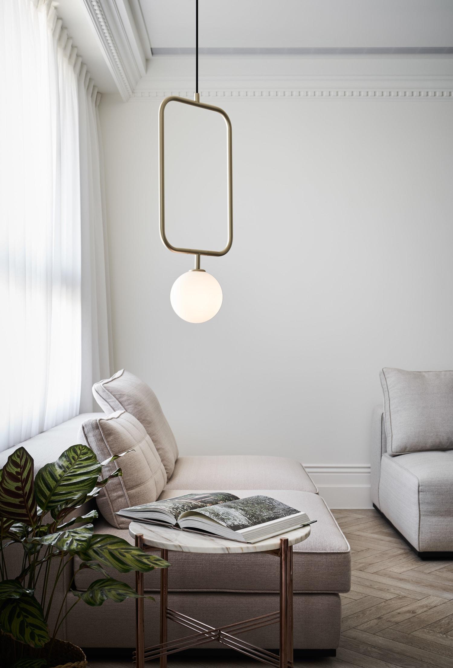 Geometric metal wire hanging lamp