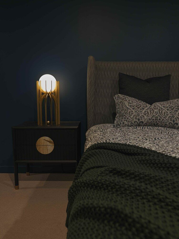 Art deco globe bedroom lamp
