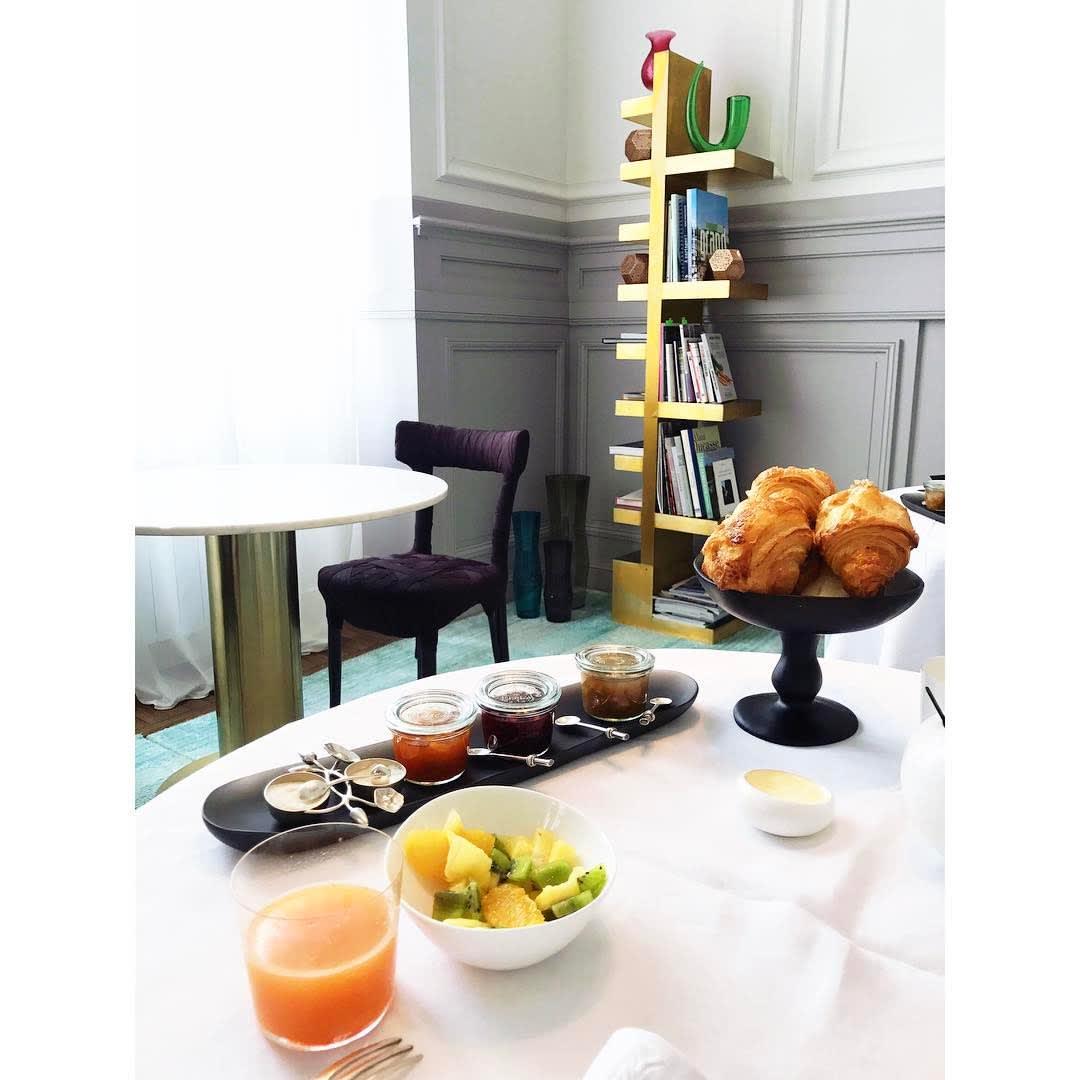 Tableware by Tina Frey seen at Yndo Hotel, Bordeaux - Small Pedestal Bowl