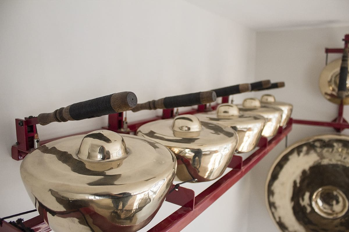 Sculptures by Gamelatron (Aaron Taylor Kuffner) seen at Private Residence, New York - Gamelatron Little Crown