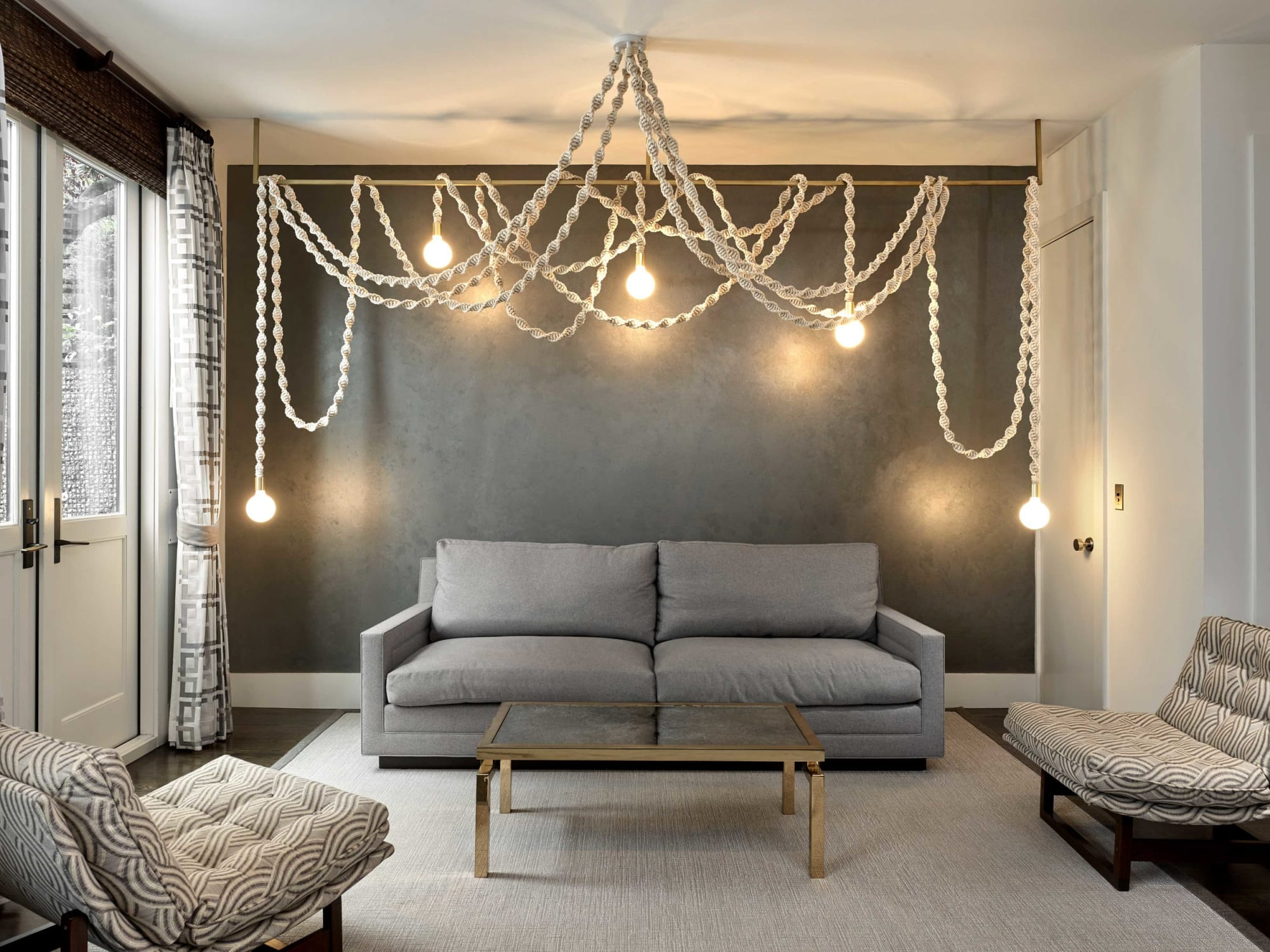 Rope hanging light fixture