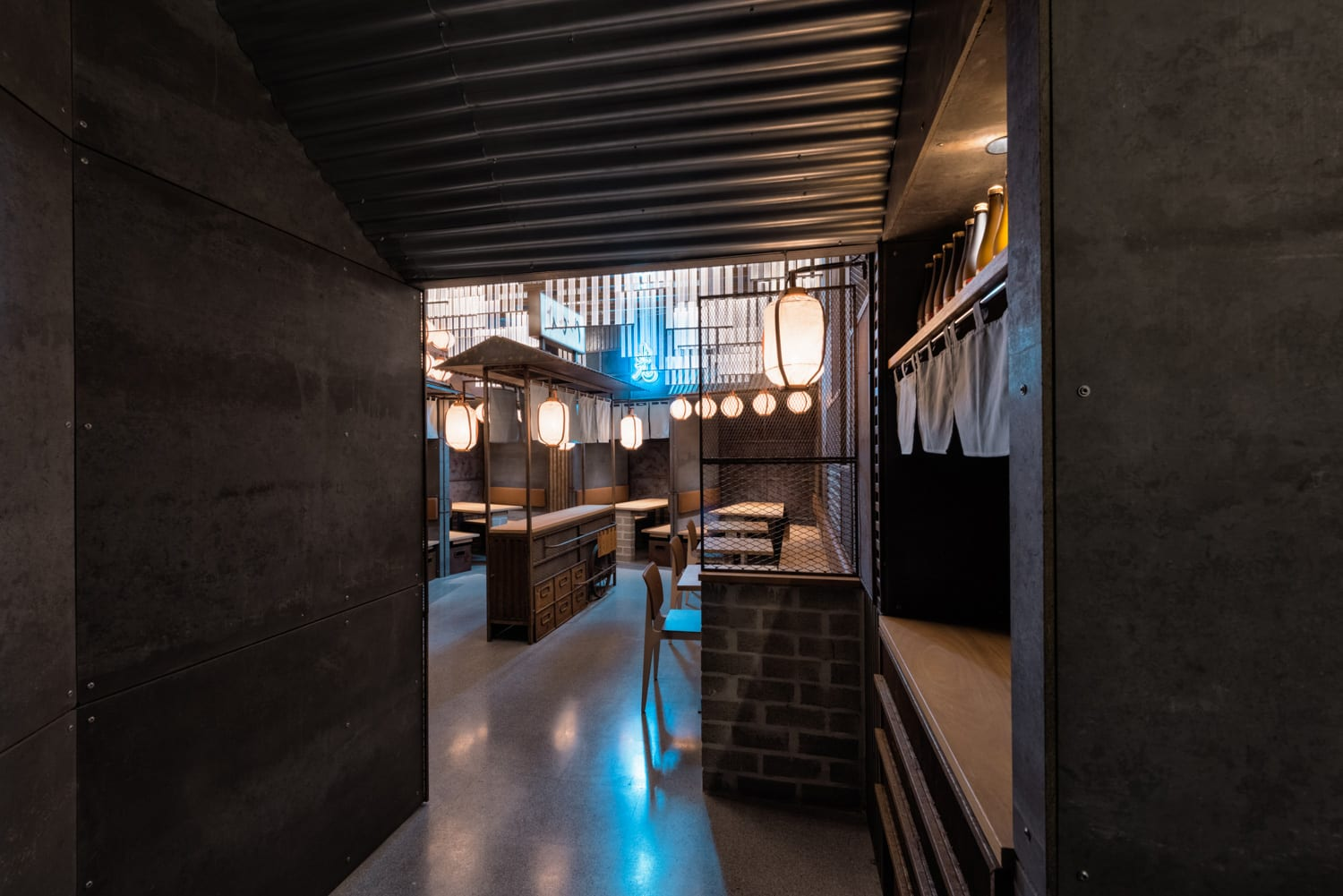 Interior Design by Masquespacio seen at Hikari Yakitori Bar, València - Interior Design