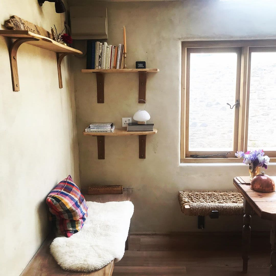Minimal wooden wall shelves