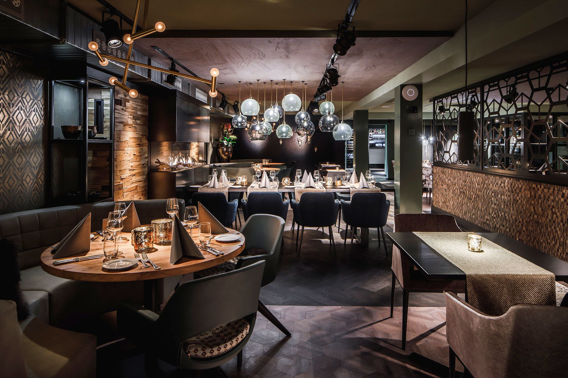 Interior Design by Hans Kuijten seen at Restaurant Gerardushoeve, Epen - Interior Design