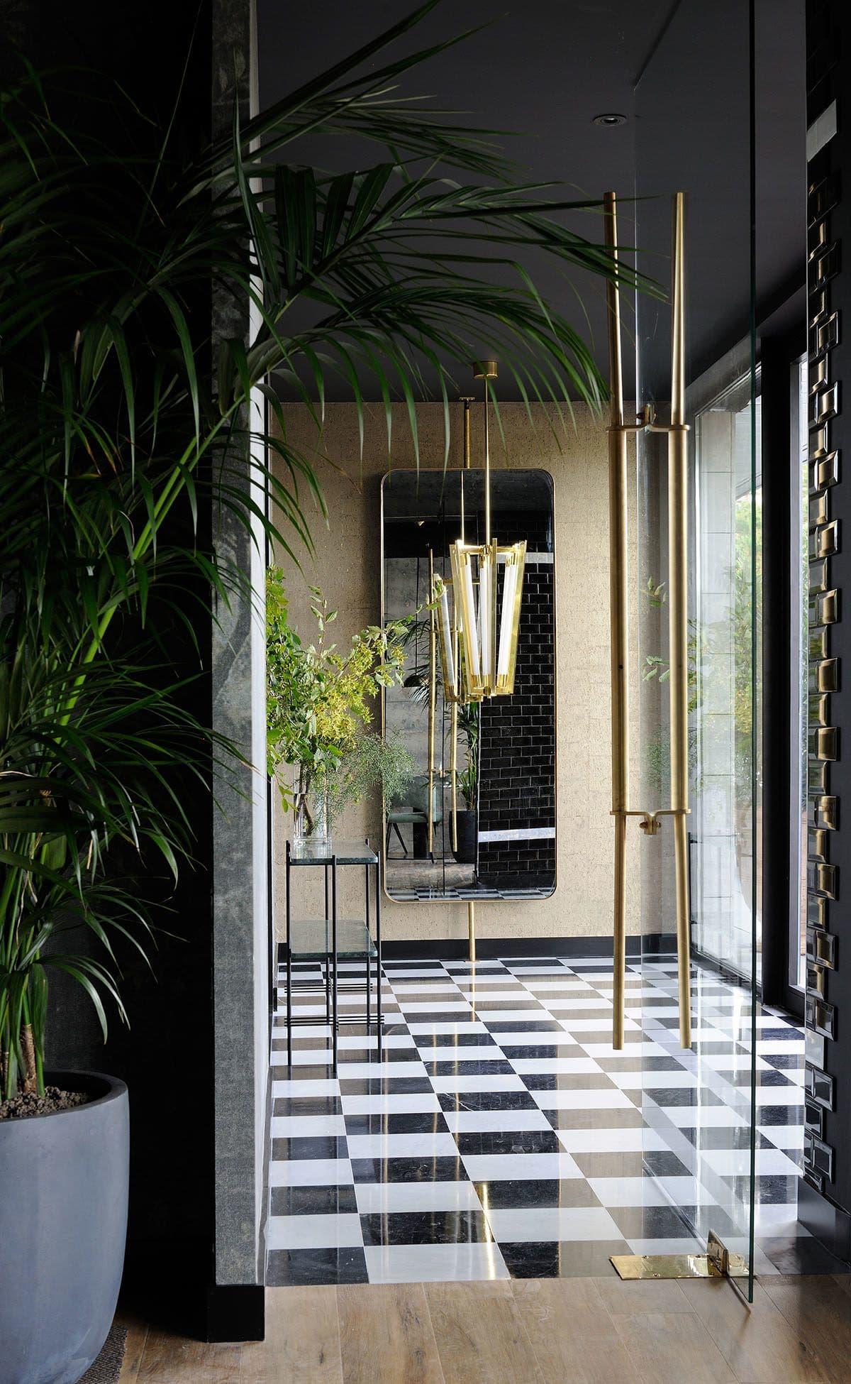 Interior Design by Claude Cartier Decoration seen at La Forêt Noire, Chaponost - Interior Design
