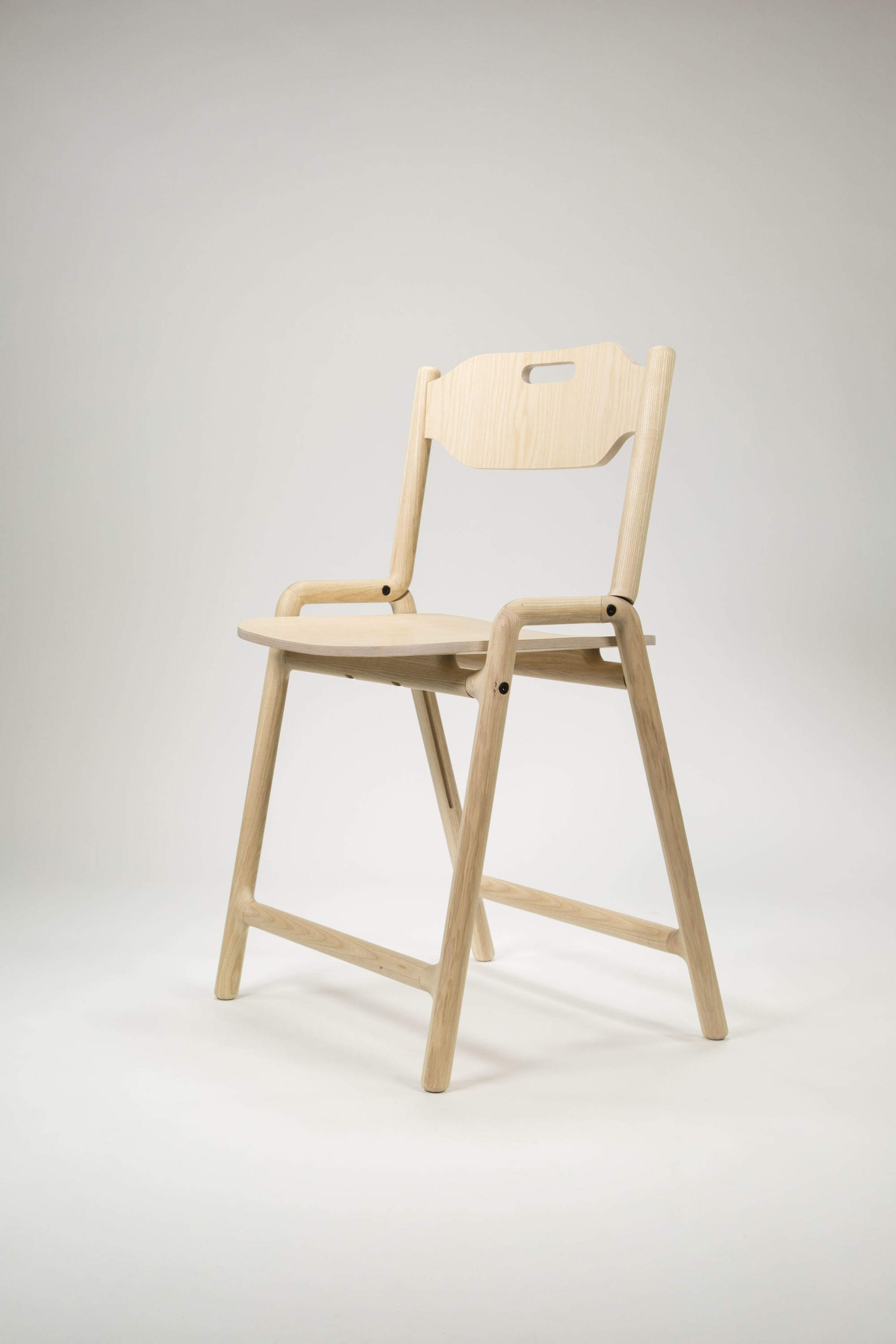 Chairs by Joe Parker seen at Private Residence, Oxford - Native Folding Chair