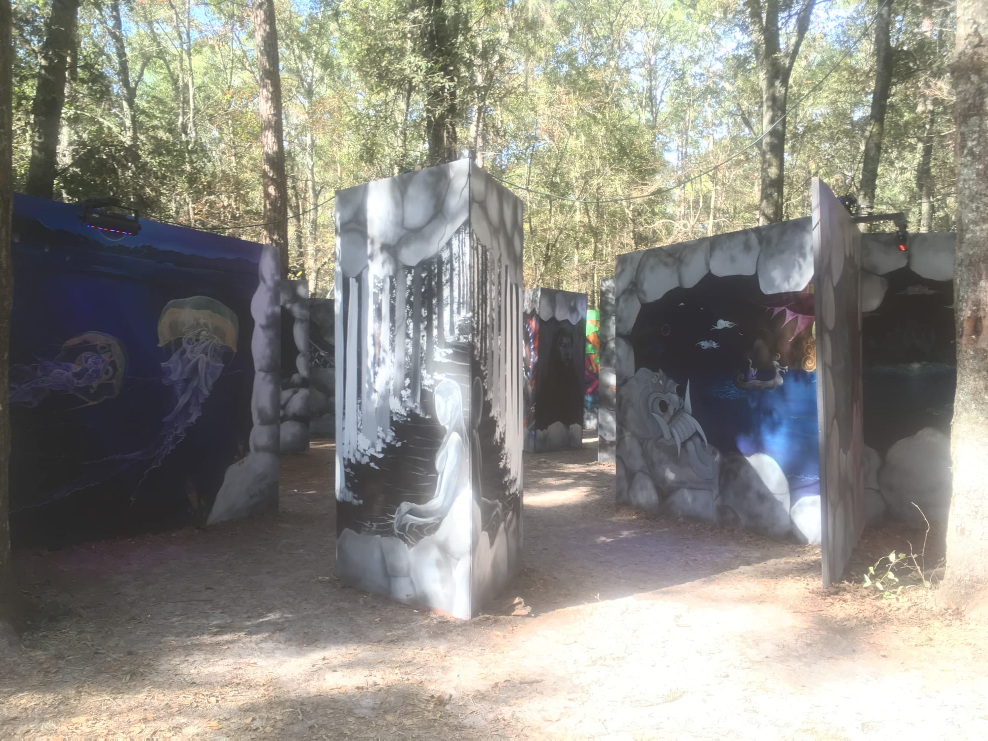 Murals by Annie Kyla Bennett Art seen at Hulaween 2018, Live Oak - Follow the Sun mural