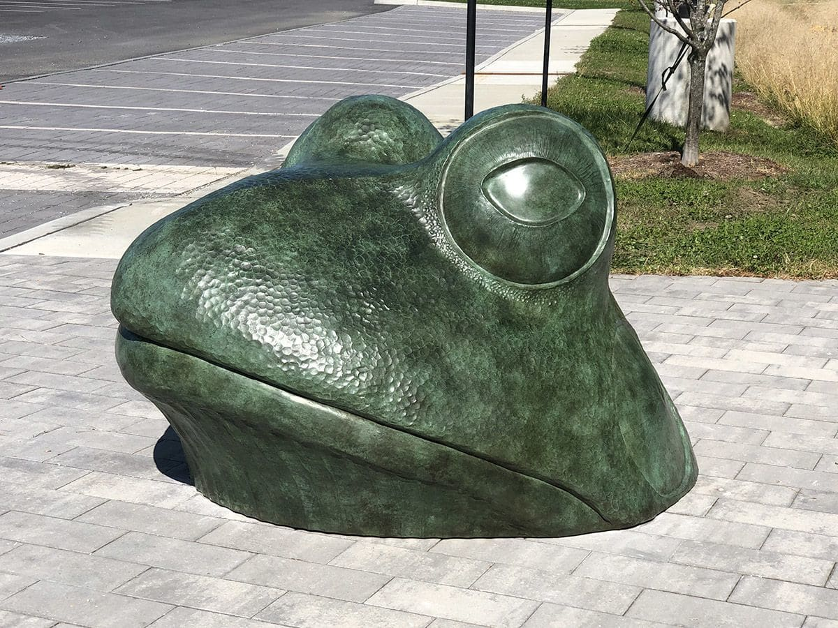 Large green frog Head Sculpture