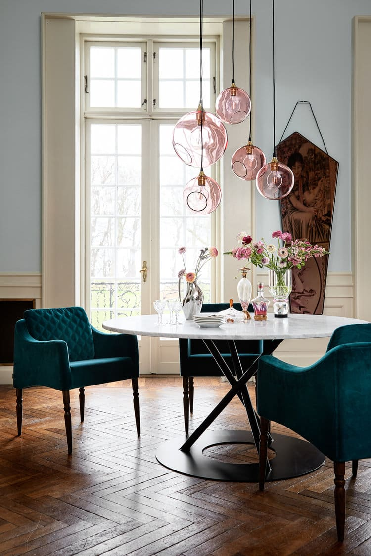 Chandeliers by Marie Burgos Design seen at Private Residence, New York - FLASH YOUR LAMPS CHANDELIER LIGHT