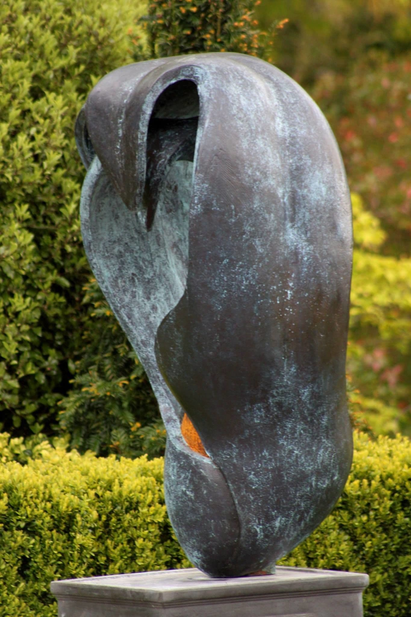 Public Sculptures by Rob Leighton Sculptor seen at Private Residence, Haywards Heath - Ménage à Trois