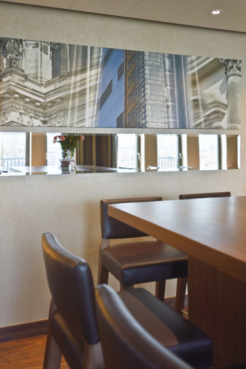 Photography by Rica Belna seen at Berlin Marriott Hotel, Berlin - Architectural Photography (Lounge Area): RicaBelna_Sanctus_40