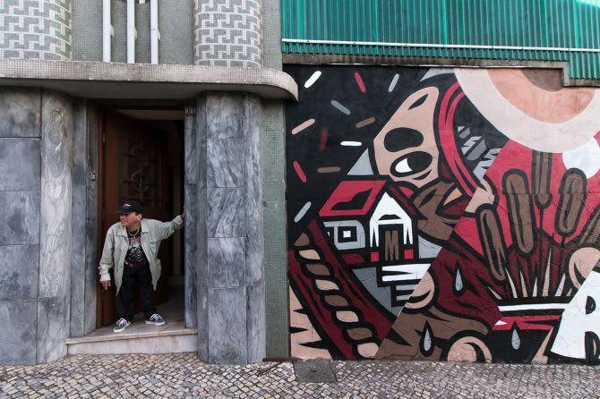 Street Murals by THE CAVER seen at Estarreja, Estarreja - Big Wall Mural