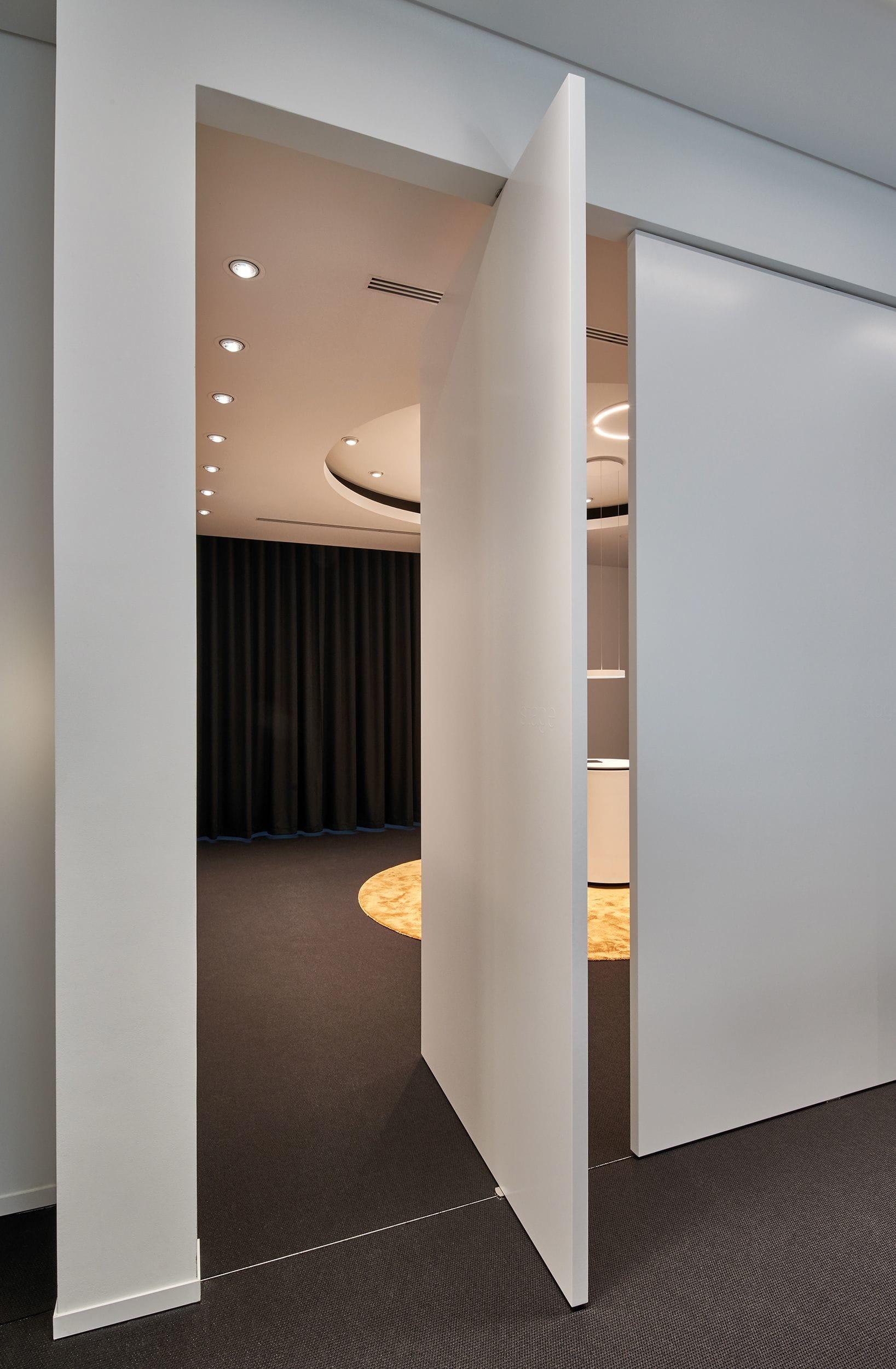 Interior Design by 1zu33 seen at Rathausmarkt, Hamburg - Flagship Store Hamburg, Occhio