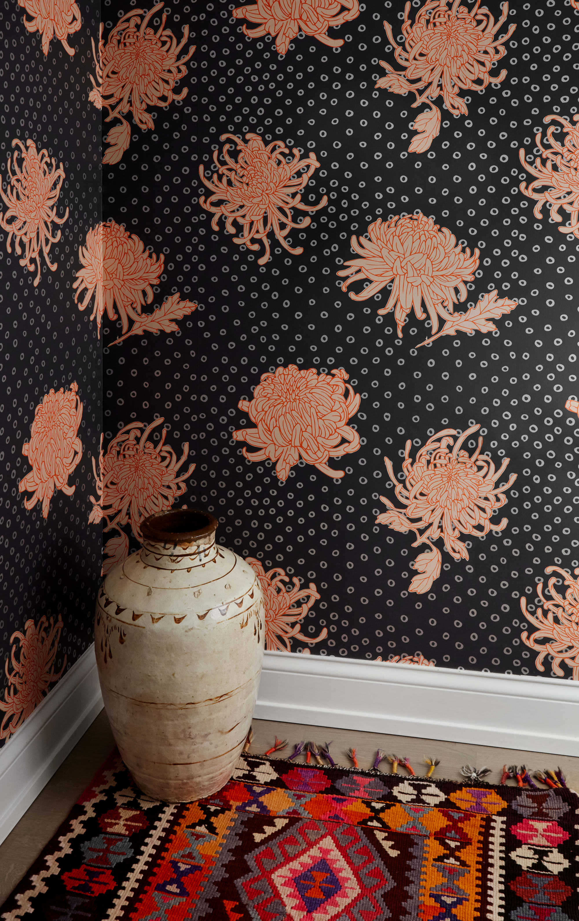 Wallpaper by Relativity Textiles seen at Private Residence, Chicago - Kanoko Slate