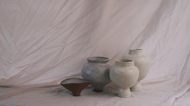 Sculptures by Dáša by Hana Vasak seen at Elka Collective, Windsor - Krater Vessel with embellished Kintsugi detail