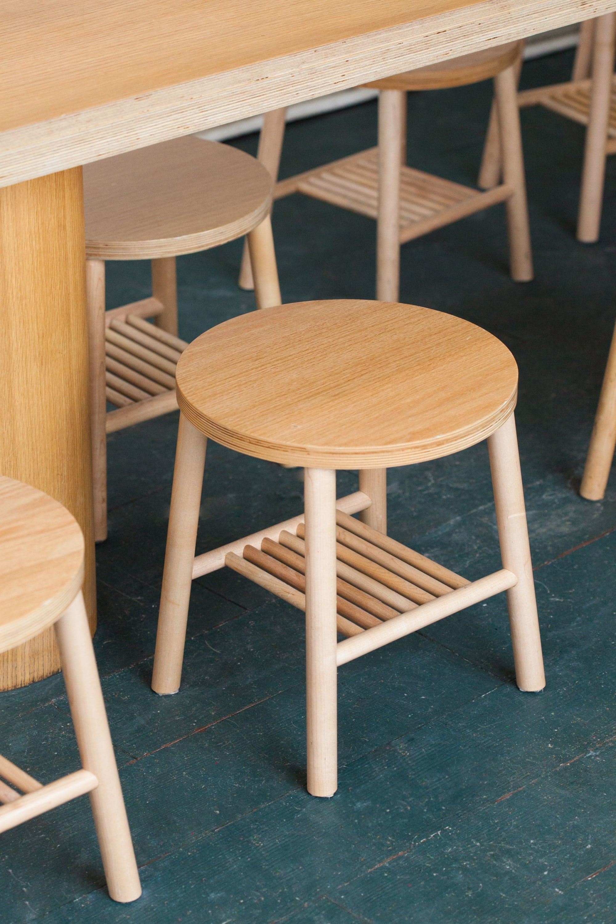Chairs by Vaste seen at 386 Avenue Beaumont, Montréal - Tame stools