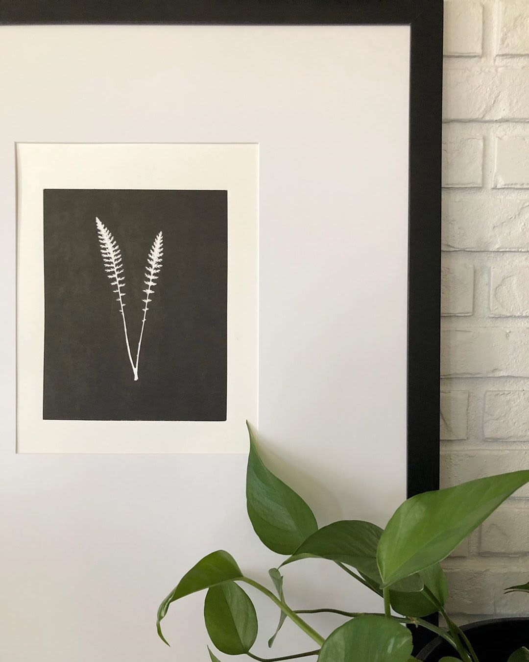 Black and white fern print detail
