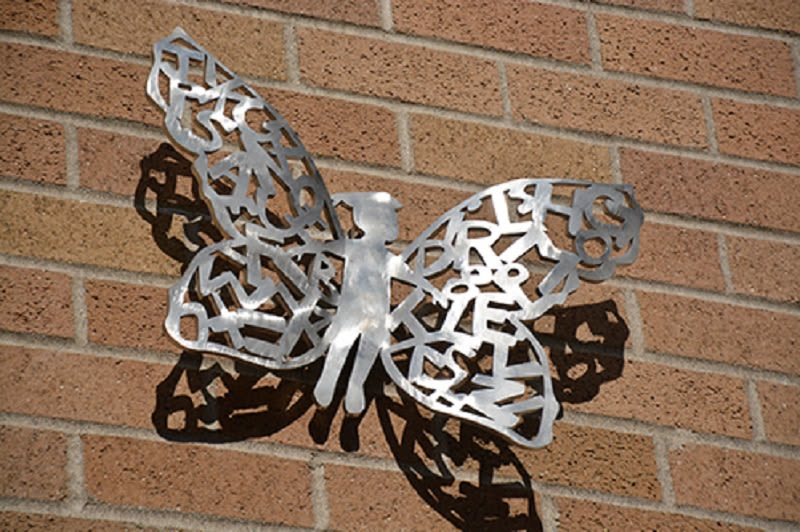 Public Sculptures by Beatrice Coron seen at Jemtegaard Middle School, Washougal - Roots & Wings 2019