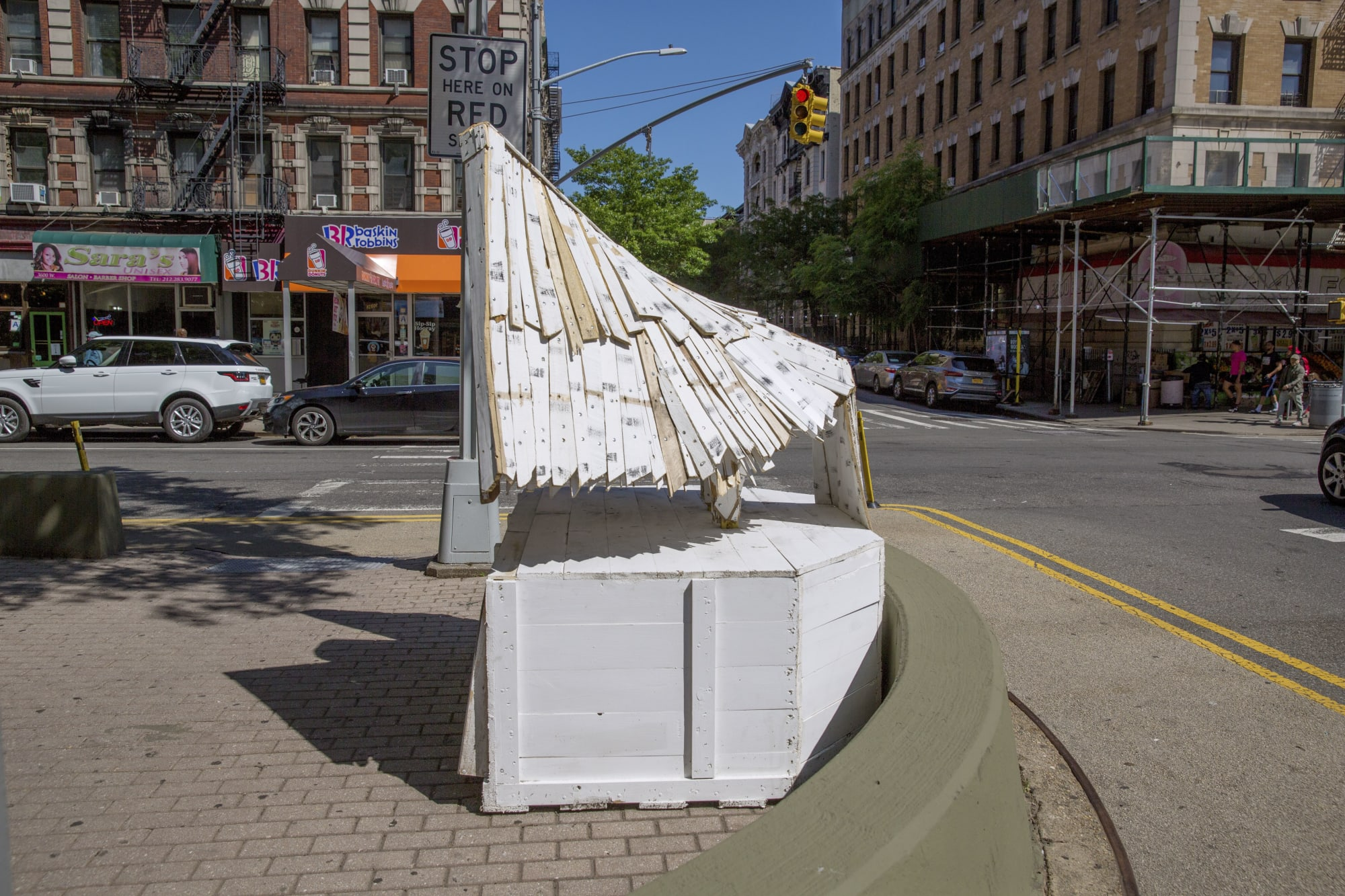 Public Sculptures by Nicolas Holiber seen at Harlem Public, New York - Snowy Owl