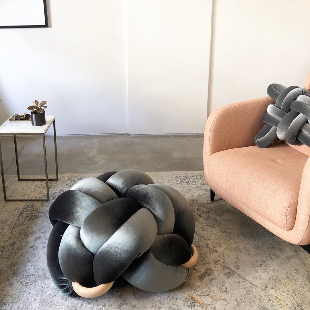 Knotted grey floor pouf