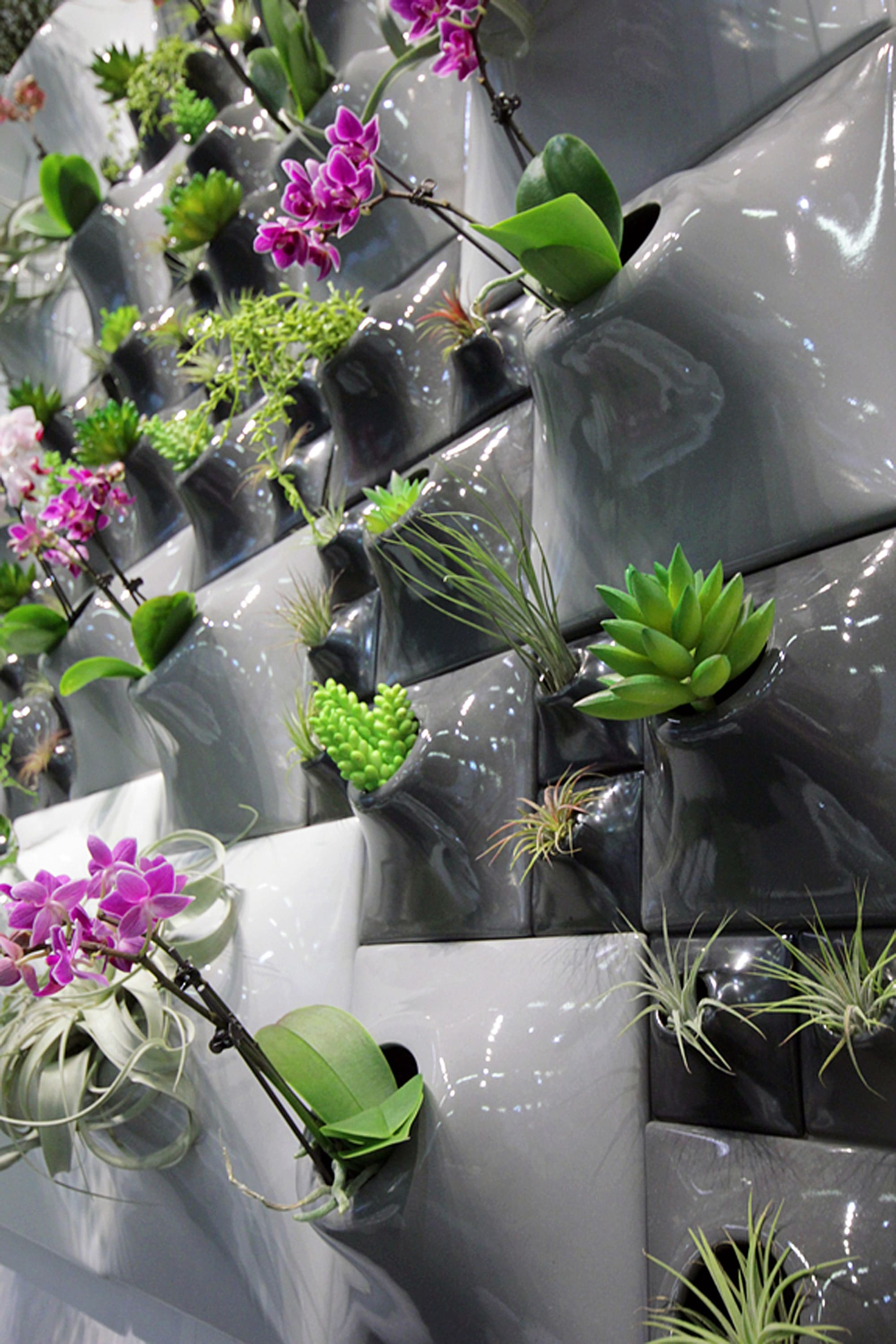 """Plants & Landscape by Pandemic Design Studio seen at Private Residence, New York - The Node Collection - Gradient Wall - 54"""" x 63"""""""