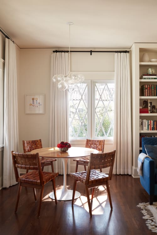 Interior Design by Sarah Shetter Design, Inc. seen at Private Residence, Los Angeles - Hancock Park Abode