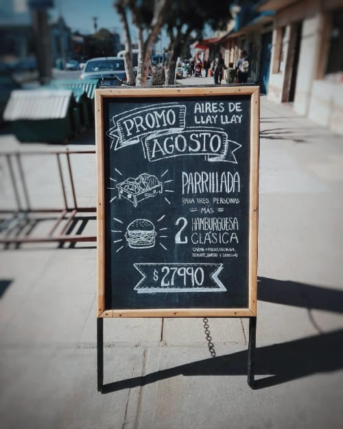 Signage by R3PINTA seen at Aires de Llay-Llay, Valparaíso - Chalkboard Sign