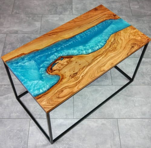 Tables by Julian Szmania seen at Private Residence, Aachen - Rivertable