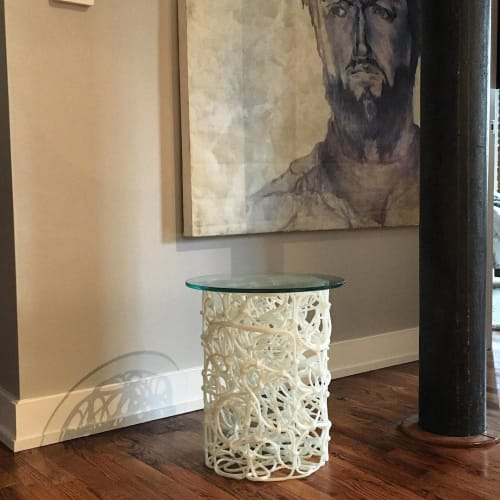 Tables by Josh Urso Design seen at Private Residence, Jersey City - White Knoop Side Table