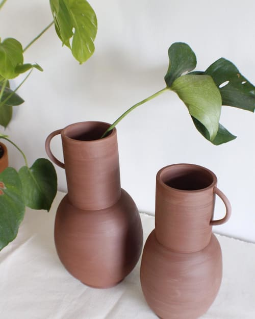 Vases & Vessels by Eny Lee Parker seen at Private Residence, Savannah - Vessels