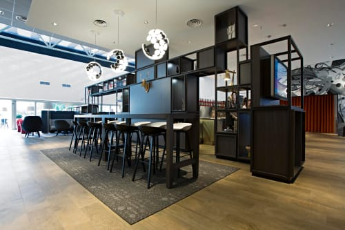 Pendants by Neil Poulton seen at Hotel Novotel Milano Linate Aeroporto, Milano - Scopas