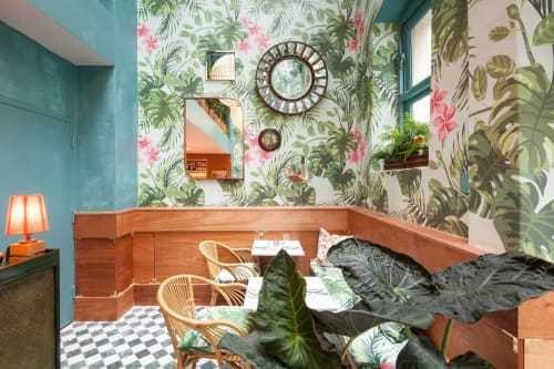 Wallpaper by Jake Mogelson seen at Leo's Oyster Bar, San Francisco - Bespoke Fern and Monstera Lleaves Wallpaper