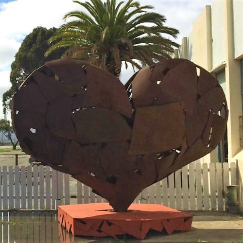 Sculptures by Katy Boynton seen at VIE Winery, San Francisco - Heartfullness