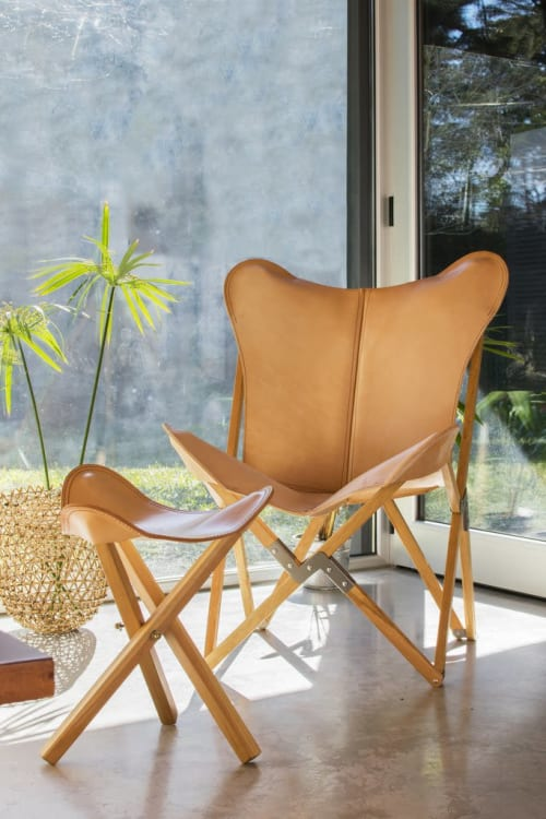 Chairs by Big BKF Buenos Aires seen at Bourbon Curitiba Hotel, Centro - Polo Playa Leather Butterfly Chair & Ottoman