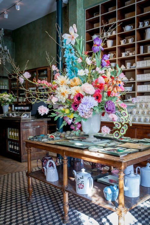 Floral Arrangements by The Green Vase by Livia Cetti seen at Astier de Villate, Paris - Custom Flower Arrangement