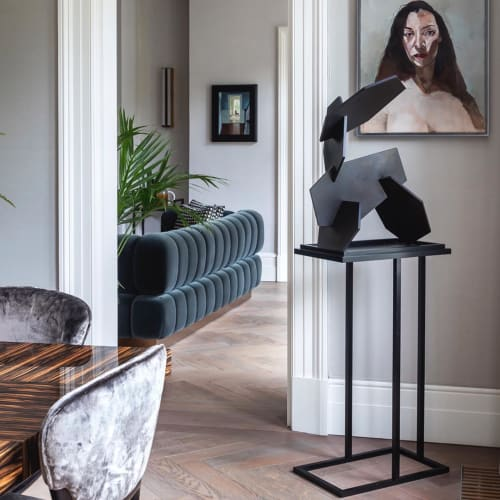 Furniture by Casa Botelho seen at Private Residence, London - Bacco Cantilevered Pedestal