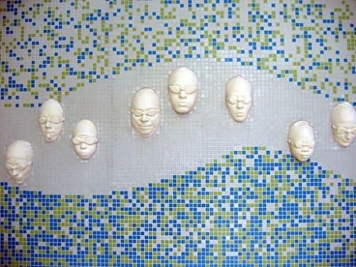 Sculptures by Vicki Saulls seen at North Beach Pool, San Francisco - Nuotatori