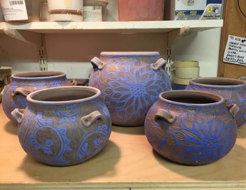 Vases & Vessels by Julie Hadley seen at La Mano Pottery, New York - Planters