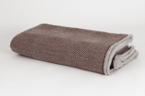 Linens & Bedding by ÁBBATTE seen at Ábbatte (Monasterio de Santa María de la Sierra), Collado Hermoso - Blankets