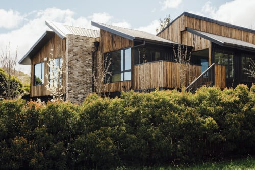 Architecture by Thor's Hammer seen at Private Residence, Canberra - AMY ELLEWAY'S RECYCLED TIMBER PASSIVE HOME