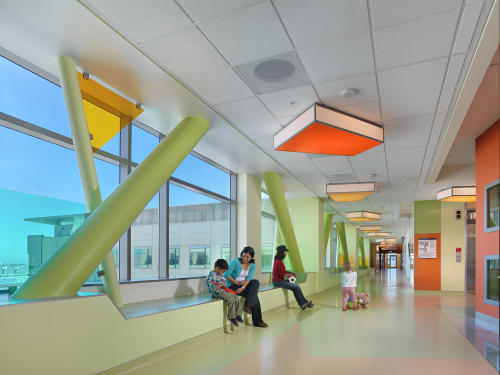 UCSF Benioff Children's Hospital, Mission Bay, Public Service Centers, Interior Design