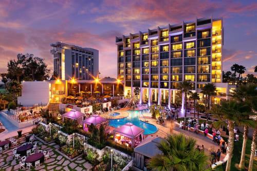 Newport Beach Marriott Hotel & Spa, Restaurants, Interior Design