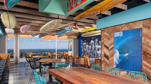 Duke's La Jolla, Restaurants, Interior Design