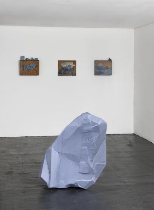 Sculptures by AMANDA MEI seen at Baró Galeria, Cerqueira César - Meteoro I