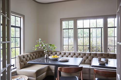 Interior Design by Sarah Shetter Design, Inc. seen at Private Residence, Los Angeles - Las Palmas